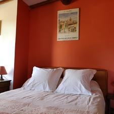 lit double dans la pièce principale