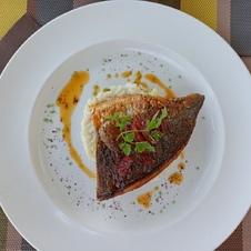 Filet de daurade sauce ail et chorizo et risotto aux asperges La Ciboulette - restaurant avec vue panoramique à Gassin - https://gassin.eu